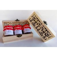 confezione regalo scatolina in legno con 3 vasetti miele
